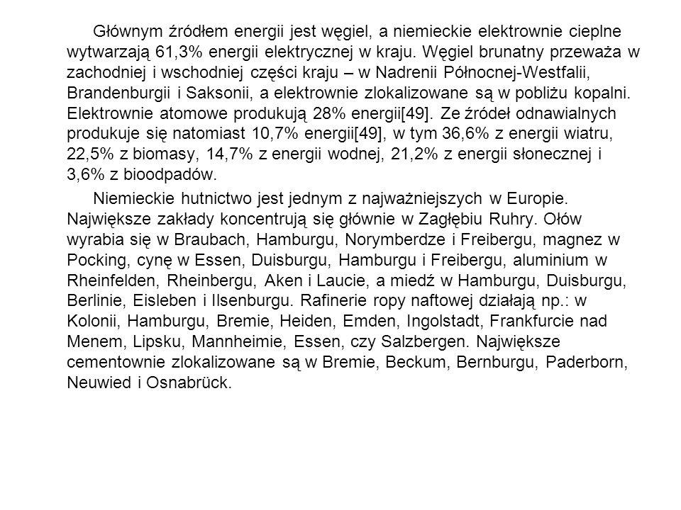 Głównym źródłem energii jest węgiel, a niemieckie elektrownie cieplne wytwarzają 61,3% energii elektrycznej w kraju. Węgiel brunatny przeważa w zachodniej i wschodniej części kraju – w Nadrenii Północnej-Westfalii, Brandenburgii i Saksonii, a elektrownie zlokalizowane są w pobliżu kopalni. Elektrownie atomowe produkują 28% energii[49]. Ze źródeł odnawialnych produkuje się natomiast 10,7% energii[49], w tym 36,6% z energii wiatru, 22,5% z biomasy, 14,7% z energii wodnej, 21,2% z energii słonecznej i 3,6% z bioodpadów.